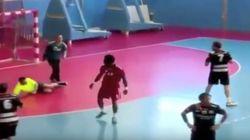 Brutal puñetazo a un árbitro de balonmano en Alicante