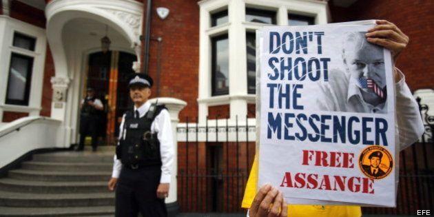 Julian Assange cumple un año en la embajada de Ecuador en Londres sin esperanzas de poder