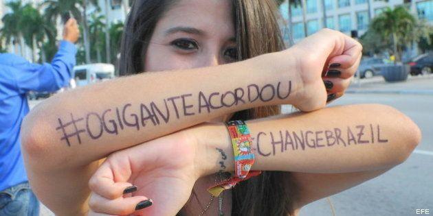 Las protestas en Brasil obligan a 11 ciudades a rechazar el aumento del precio del transporte