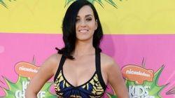 Así le llegó la petición de divorcio a Katy Perry