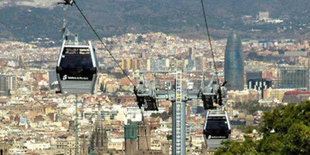 Hasta 70 personas, atrapadas en 14 cabinas del teleférico de Montjuïc de