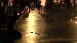 Un policía tira el arma y se une a las protestas en Brasil