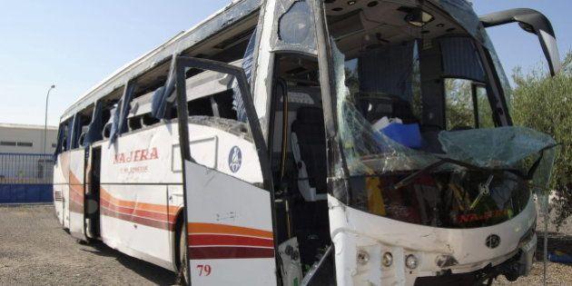 Un autobús vuelca en Manzanares (Ciudad Real): 53 heridos, entre ellos dos