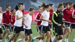 Las chicas del fútbol se plantan: que se vaya el