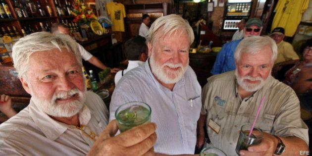 Seis dobles de Hemingway se reúnen en el mítico bar El Floridita de La Habana