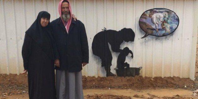 El artista urbano Pejac visita otro campo de refugiados en
