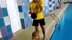 Cómo ponerse un gorro de piscina
