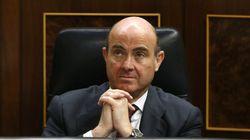 Guindos presume en el Financial Times de la rebaja de costes