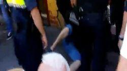 La policía reduce a un músico callejero en Valencia por