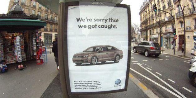 Así recuerdan los activistas de Brandalism al Grupo Volkswagen su