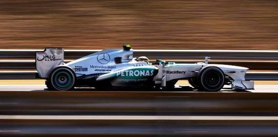 Hamilton brilla, Vettel acaricia el título y Raikkonen se marca un