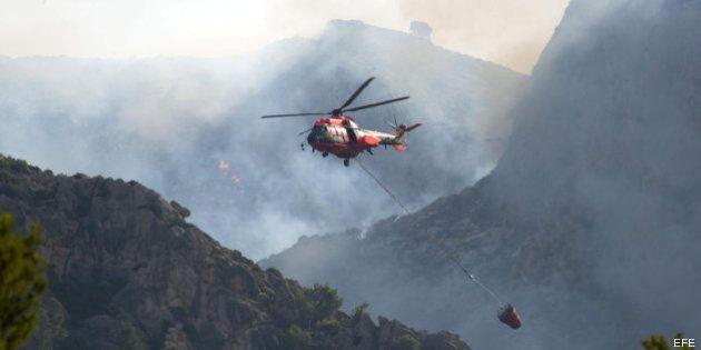 El incendio de Mallorca continúa activo y afecta a 1.800 hectáreas