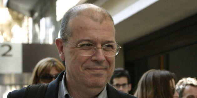 Navarro defiende que Zaragoza siga como diputado y militante del