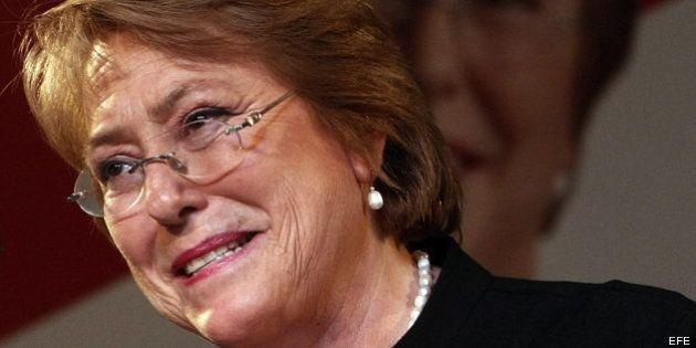 Bachelet gana las primarias en Chile y es la favorita para las elecciones presidenciales de