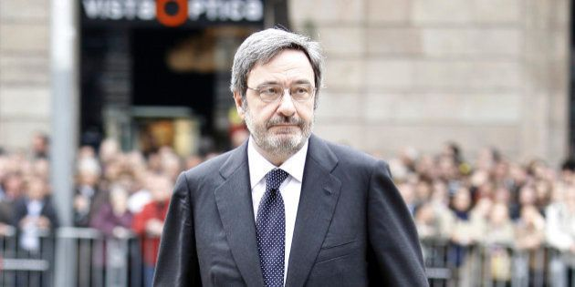 La Fiscalía denuncia a Narcís Serra y a 52 cargos de Caixa Catalunya por cobros