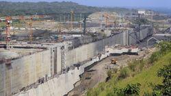 El Canal de Panamá denuncia la paralización de las obras y Sacyr lo