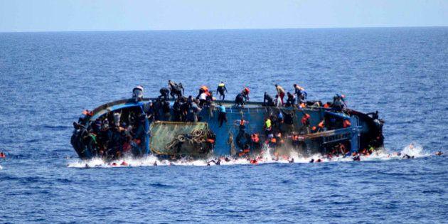 Italia cesa la búsqueda de víctimas tras el último naufragio y rescata a 668
