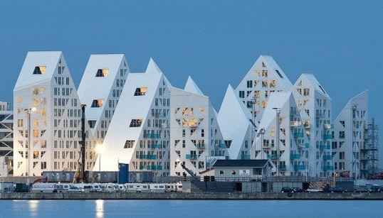Finalistas a 'Edificio del Año': diversas formas de innovar en todo el