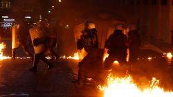 Miles de personas se manifiestan en Atenas contra las