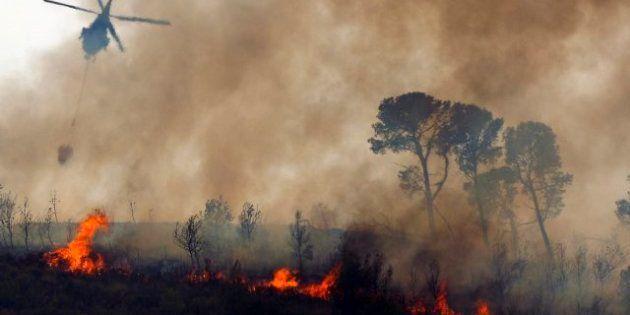 Dos helicópteros se estrellan en Valencia durante las tareas de extinción del fuego en Cortes de Pallás