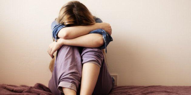Seis razones por las que a las mujeres les afecta más la