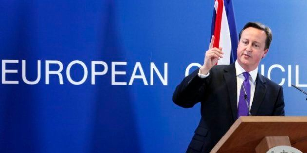 Cameron plantea cerrar las fronteras de Reino Unido a griegos y otros europeos en