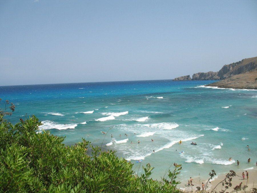 Carretera y playa: los mejores lugares para subirse a la ola