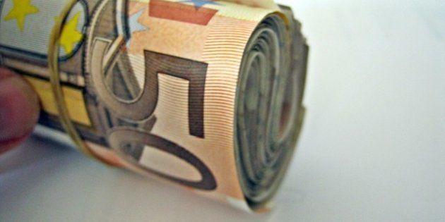 El Tesoro coloca 3.000 millones en deuda, pero más