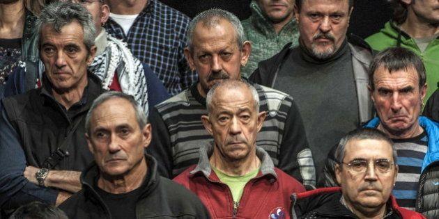 Excarcelados de ETA exigen 'el derecho a decidir' para resolver el
