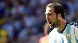 Higuaín mete a Argentina en