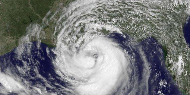 Isaac llega al golfo de México convertido en huracán