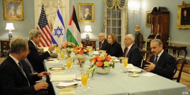 Israel y Palestina reanudan las negociaciones de paz con una cena en