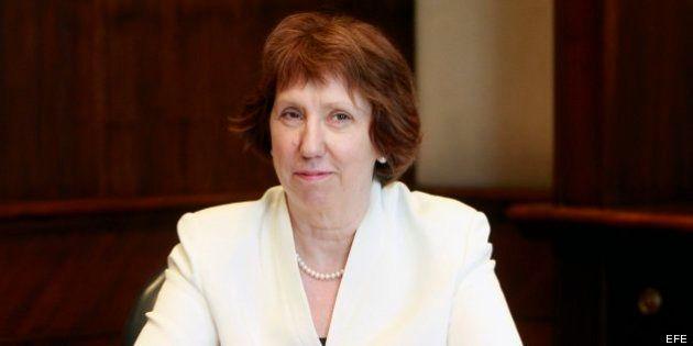 Catherine Ashton, primera dirigente occidental en reunirse con Mursi, el presidente depuesto de
