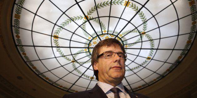 Puigdemont pide negociar una consulta tras el 26-J sin ideas