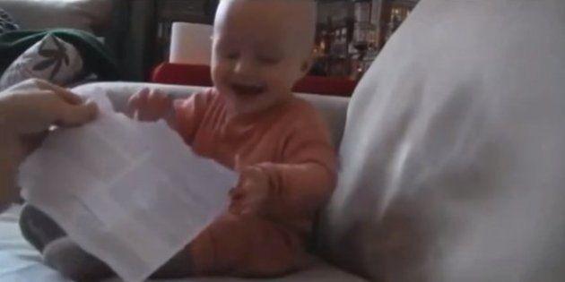 El mejor regalo para un bebé... siempre es el envoltorio