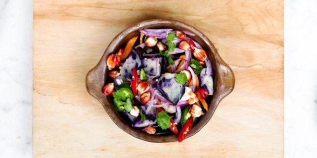 Las verduras fritas con aceite de oliva tienen más propiedades saludables que las
