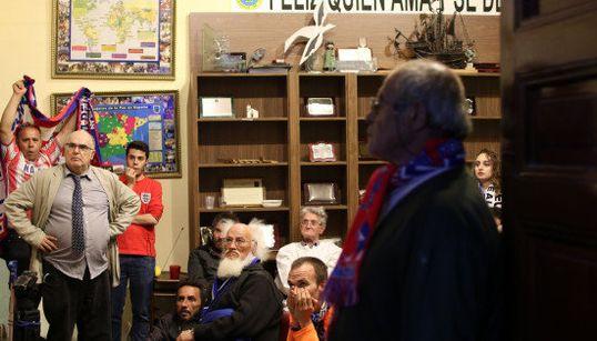 Nervios, lágrimas, alegría: la final vista por los sintecho de San Antón