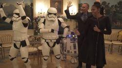 Los Obama bailan 'Uptown Funk' con R2-D2 y dos Soldados