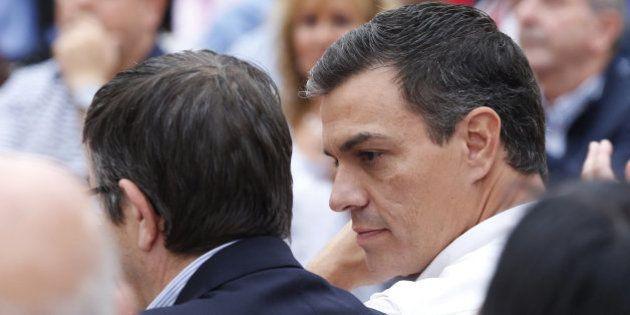 Sánchez baraja el congreso del PSOE en diciembre y primarias el 23 de