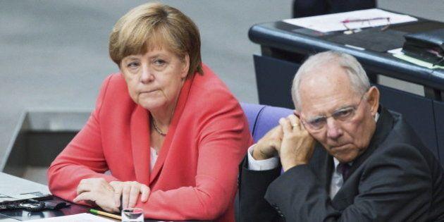 El Bundestag aprueba que Angela Merkel empiece a negociar el rescate para