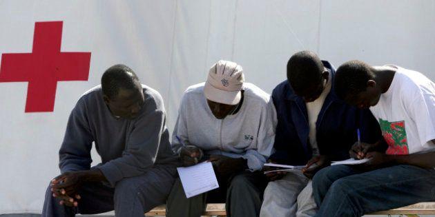Ocho comunidades autónomas seguirán atendiendo a inmigrantes 'sin
