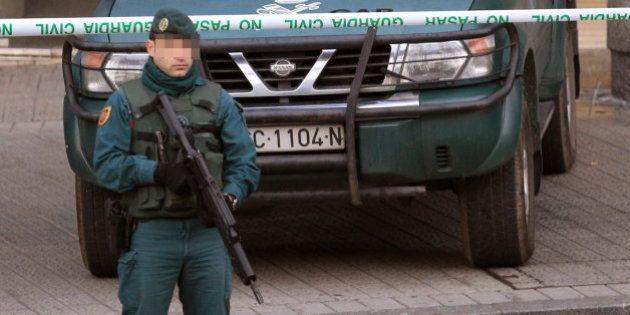 Operación 'Mate' contra el entramado jurídico de ETA: La Guardia Civil detiene a 16