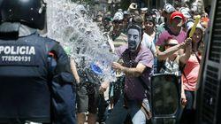Siete mossos heridos por disturbios en el barrio barcelonés de