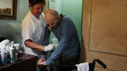 Los dependientes y sus cuidadores, en situación límite por el recorte de