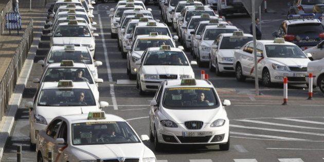 Entra en vigor la tarifa plana de los taxis al aeropuerto de