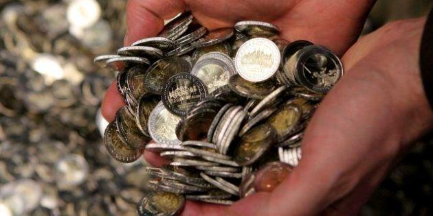 El Tesoro coloca más de 3.500 millones y reduce en un punto el interés tras el anuncio de los