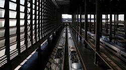 Un incendio en una locomotora corta el AVE entre Zaragoza y