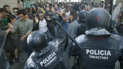 Las cargas policiales vuelven a Gràcia en los alrededores del banco