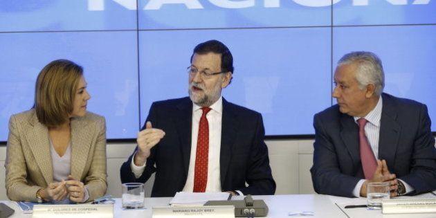 Rajoy maneja encuestas en las que gana el PP y Podemos se sitúa como segundo