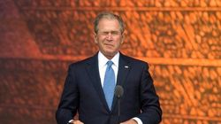 Bush interrumpe a Obama para que le haga una foto... y su cara lo dice